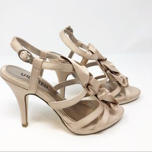 UNLISTED TAUPE SATIN HEELS W/ FLOWERS SZ 5.5 NWOT